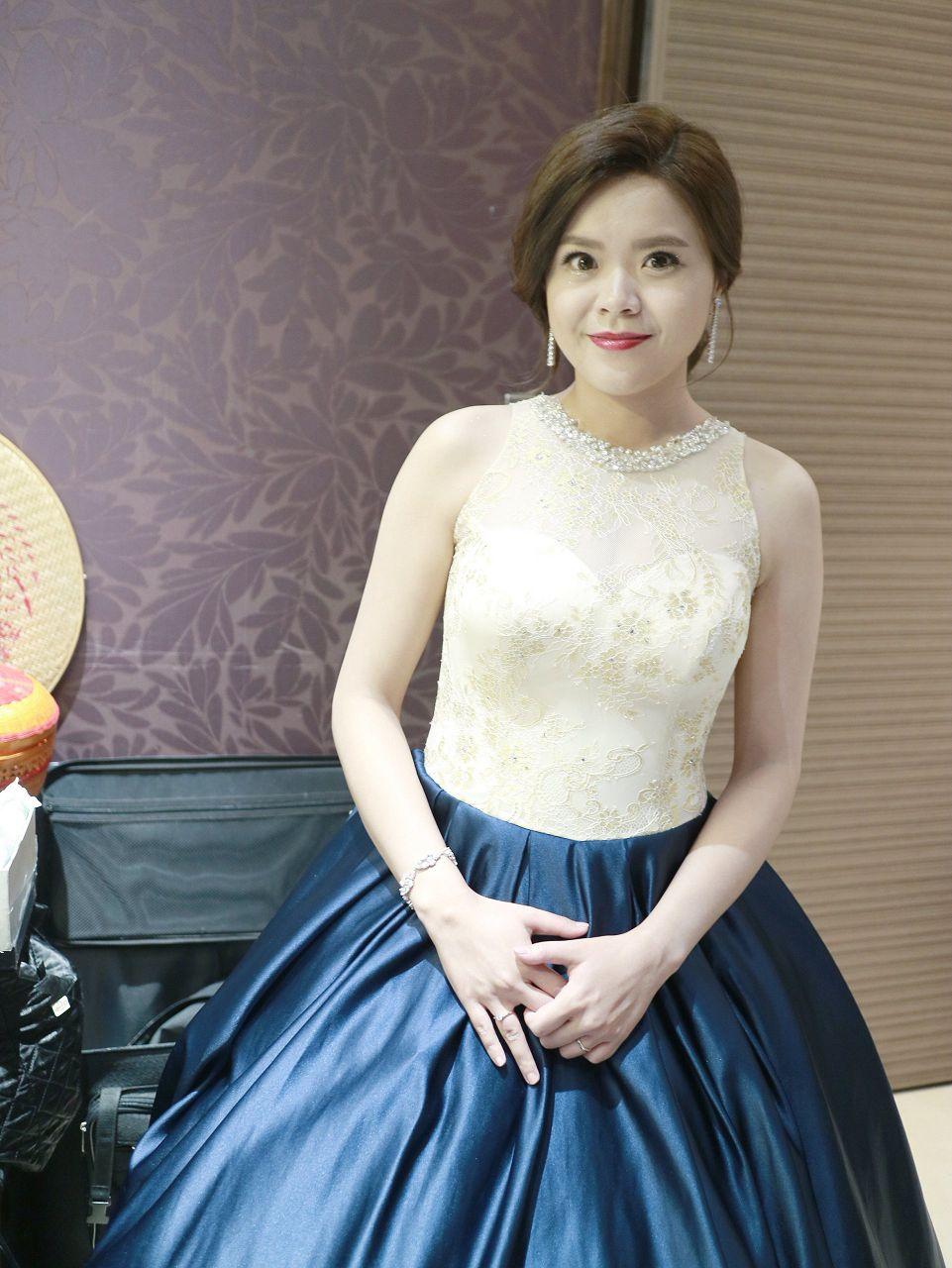 《新秘》尹 / 女兒紅婚宴會館